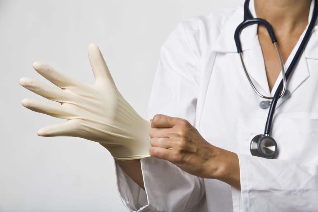 Массаж простаты при аденоме: показания, противопоказания и техника выполнения